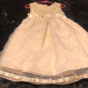 Little girl yellow dress